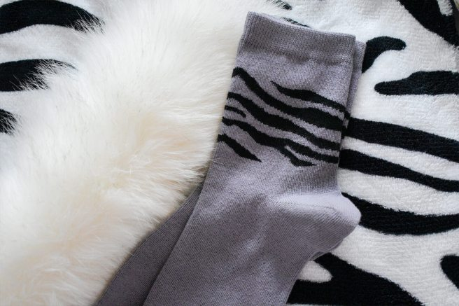 sosete cu model zebra bej ciserom
