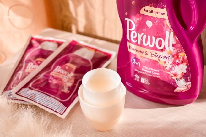 Perwoll-Renew-and-Blossom-15-spalari-culoare