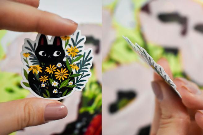 pisica intre flori sticker mystiki