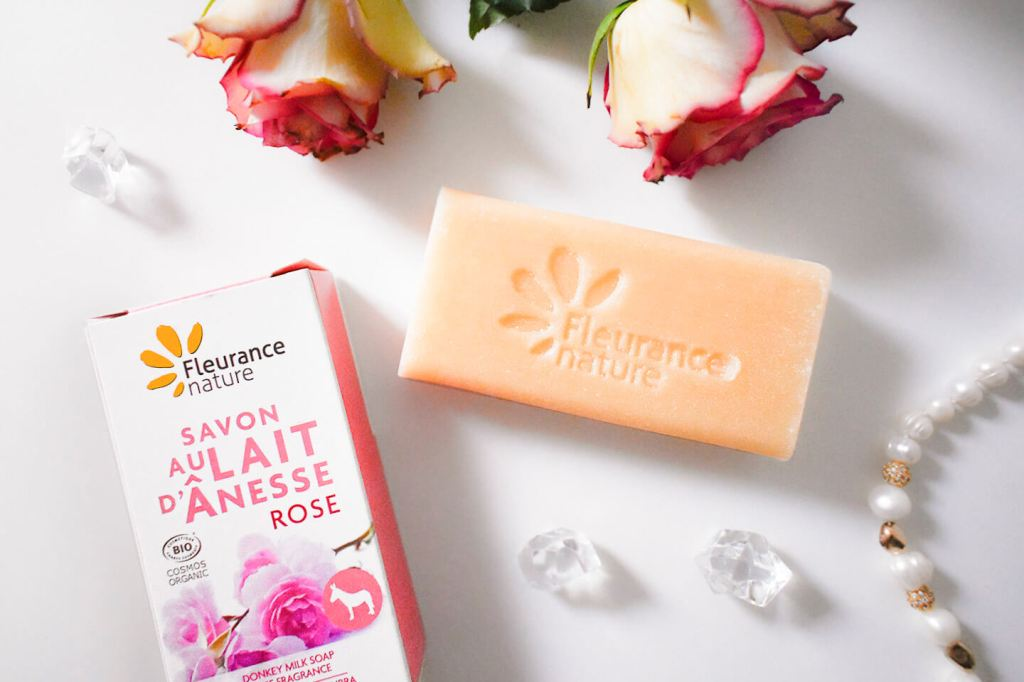 fleurance nature cosmetice bio sapun cu trandafiri si lapte de magarita